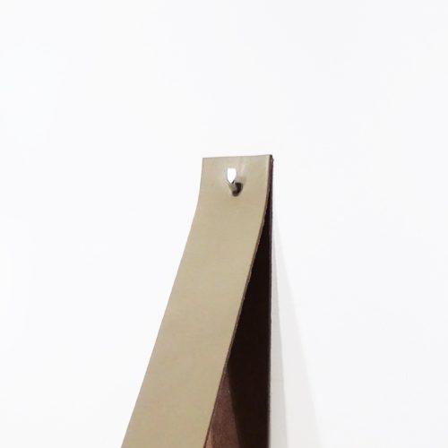 wandplank leren plankdragers taupe